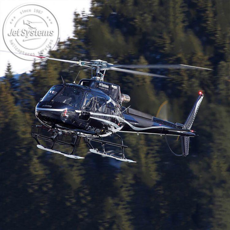 Survol en hélicoptère à basse altitude